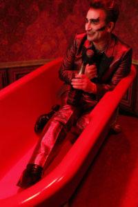 Bono transformado de nuevo en MacPhisto!