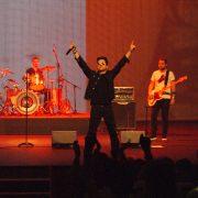 U2 (49)