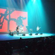 U2 (92)